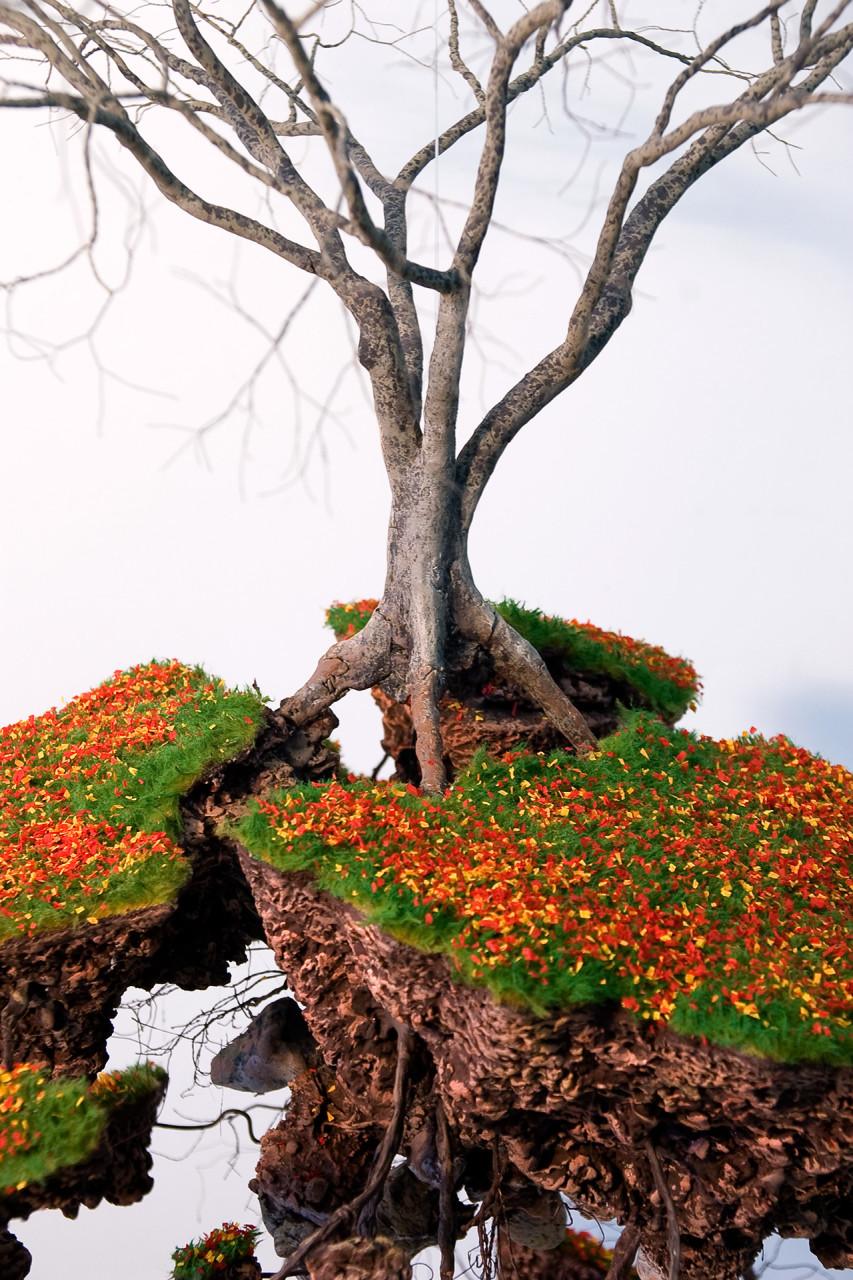 les-sculptures-darbres-suspendus-et-les-racines-cubaines-de-jorge-mayet-03