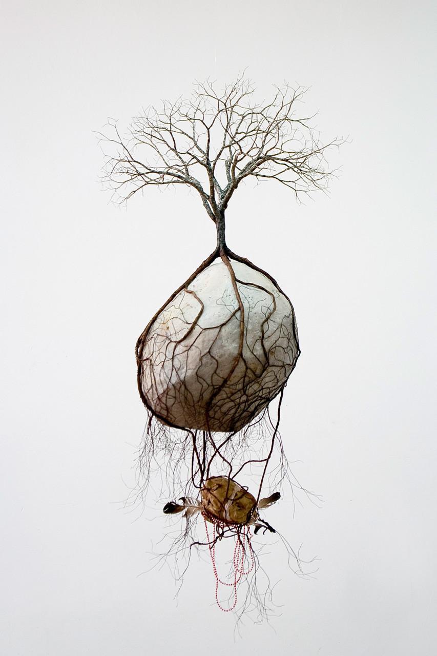 les-sculptures-darbres-suspendus-et-les-racines-cubaines-de-jorge-mayet-10